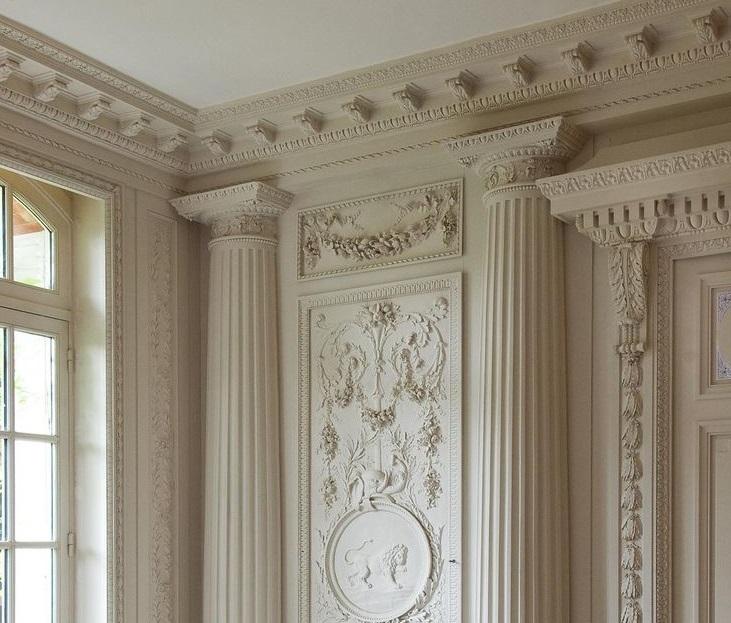 фото колонны в интерьере